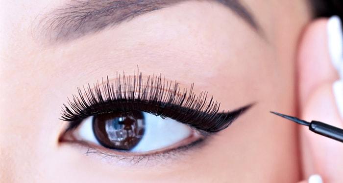 Use mascara gel for liquid eyeliner